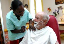 Ccas nice les services de soins infirmiers domicile for Aide au bricolage a domicile